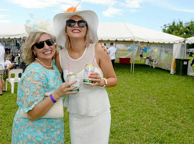 Amanda McCallum and Abby Gates at the Murwillumbah races on Melbourne Cup Day, 2015. Photo: Liana Turner / Tweed Daily News