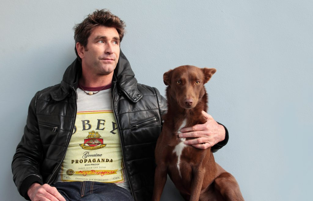 Pete Murray will perform at the Harvey Road Tavern on December 3.