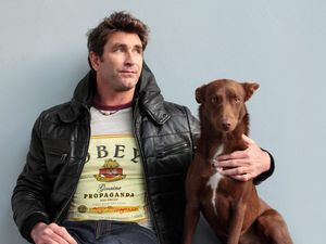 Pete Murray loves the Gladstone crowd, back for more