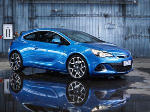 Holden Astra VXR road test and review