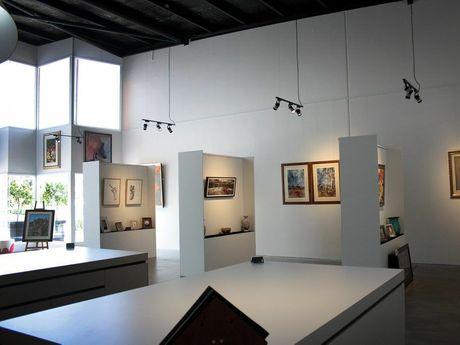 New gallery style interior at Art by Leonardos, Prescott Street, Toowoomba.