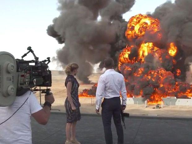 Lea Seydoux and Daniel Craig  film a scene for the movie Spectre.