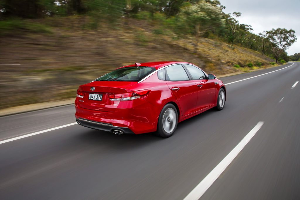 ENTRY LEVEL: Optima Si carries over the naturally aspirated 2.4-litre engine of before, which feels somewhat out of date compared to the GT's turbo 2.0-litre.