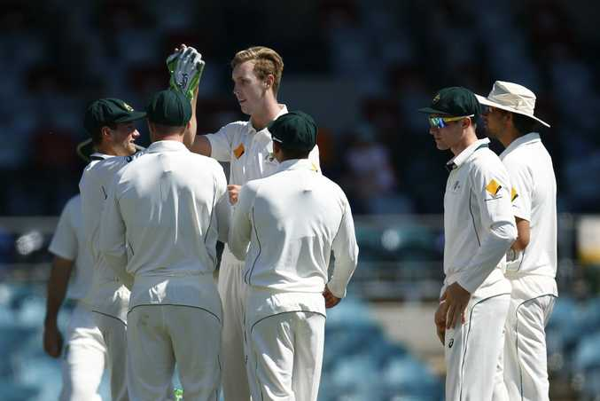 Man in the middle ... Billy Stanlake. Photo: AAP
