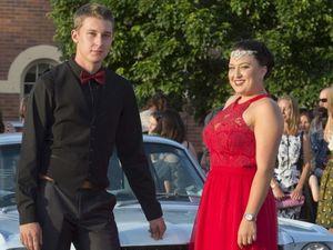 VIDEO, PHOTOS: Flexi students celebrate at elegant formal