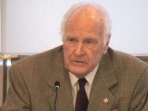 Hollingworth admits 'massive failure' in pedophile case