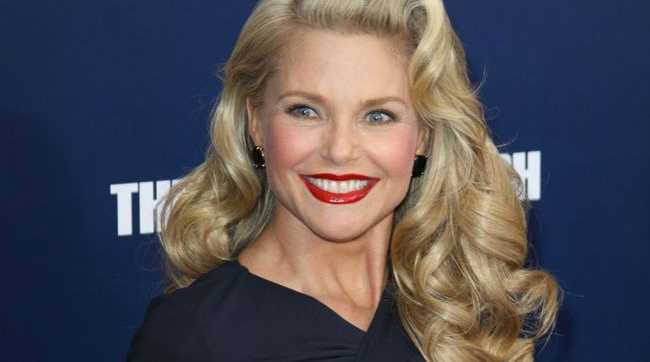 Christie Brinkley admits she doesn't think she could make it in the modelling industry because she's too curvy.