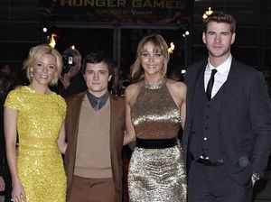 Hunger Games stars slept together' like puppies'