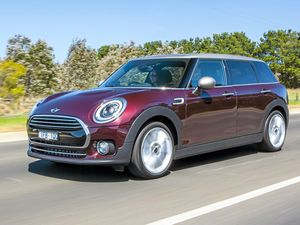 Mini 2016 Clubman has eyes on premium small car prize