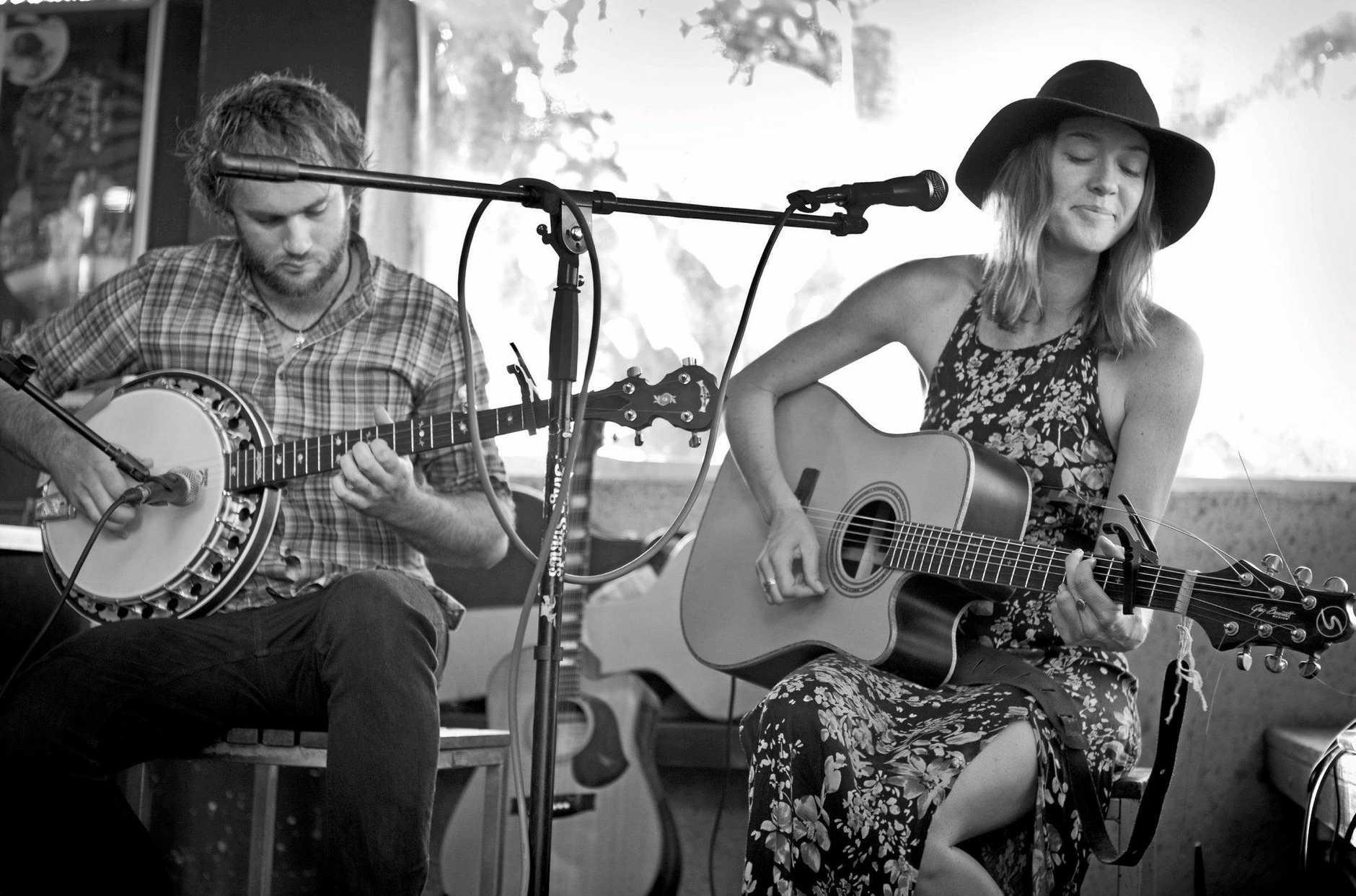 Musicians 'Hayley Grace duo'.