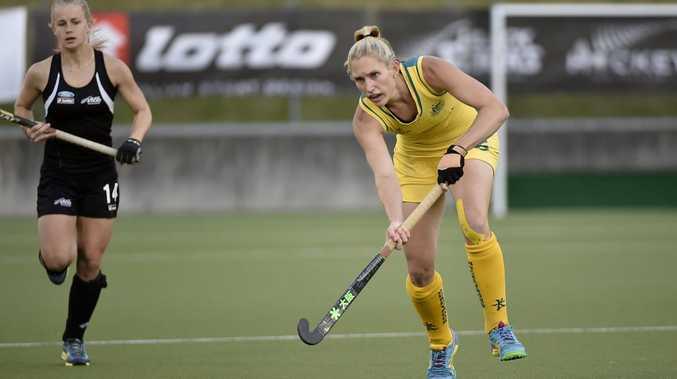 Hockeyroo Kirsten Dwyer in action during the International Hockey.