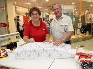VIDEO: Rocky couple have been wrapping presents for 30 years