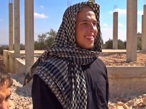 Teen in Syria: 'I'm here to help the people'