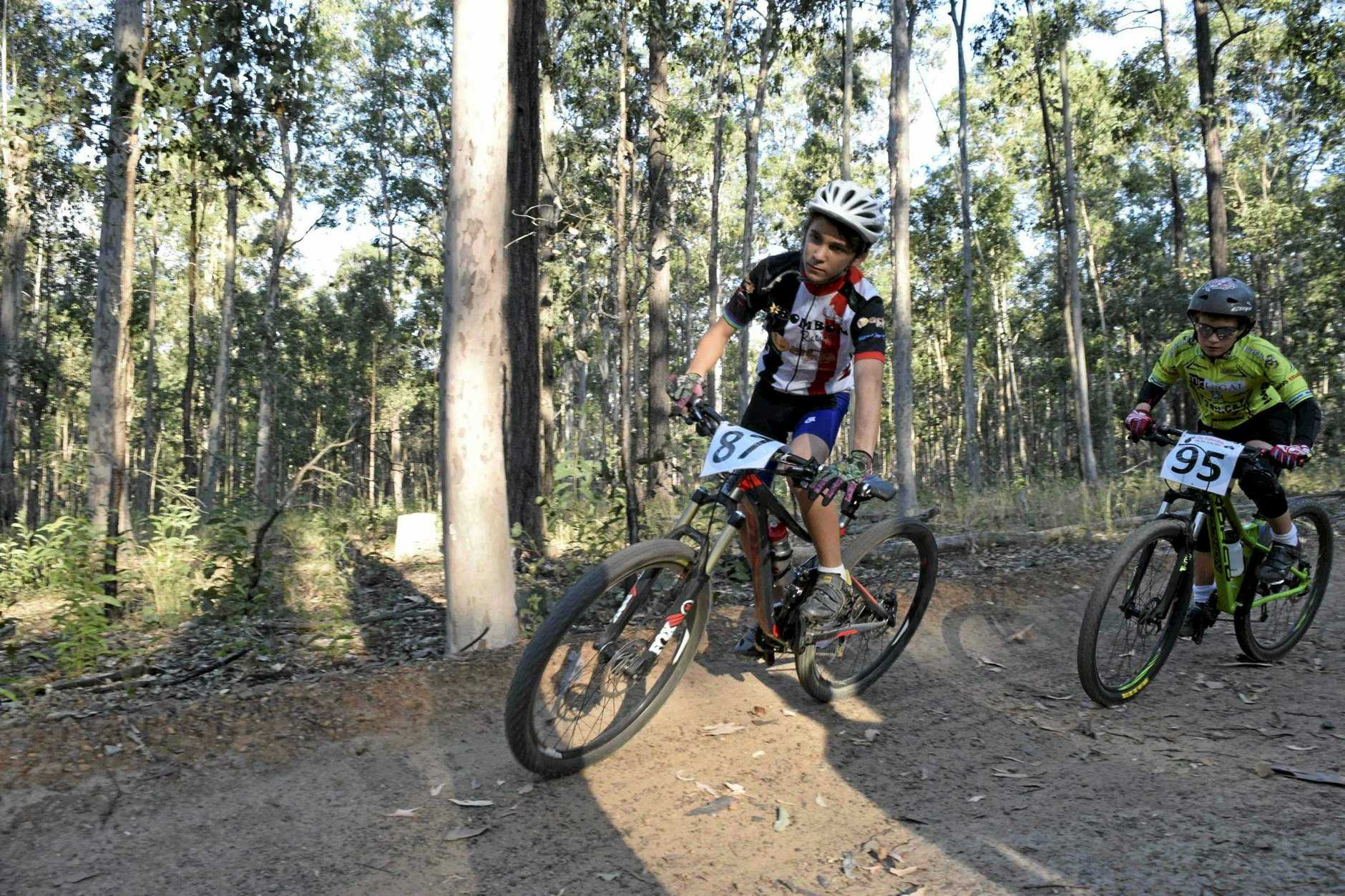 DOWNHILL DUO: Off to compete in the NSW Interschools Downhill competition are Henry White and Dylan Korb. Photo Matthew Elkerton / Daily Examiner
