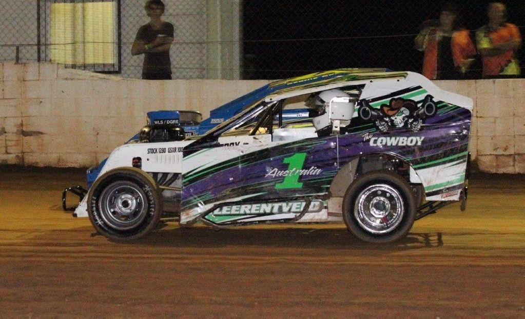Australian champ on deck for unique Toowoomba mod lites