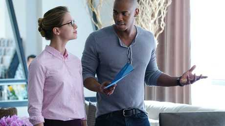 Melissa Benoist and Mehcad Brooks in a scene from Supergirl.