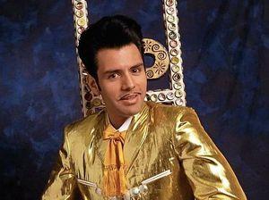 Elvis and beyond. Ole!
