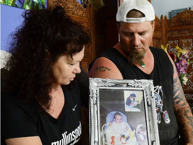 CRUEL ACT: Brent and Suzy Prisk had their dead son's ashes stolen during a recent robbery. They were stored in a box of a similar appearance to the one pictured (inset).