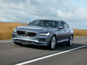 Volvo reveals its luxury-filled S90 prestige sedan