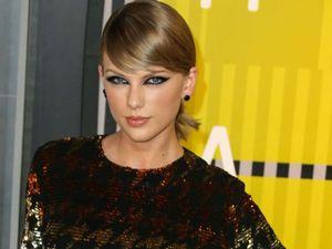 Taylor Swift announces film of her 1989 concert tour