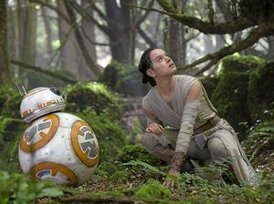 Star Wars cracks $1b mark, sets new global box office record