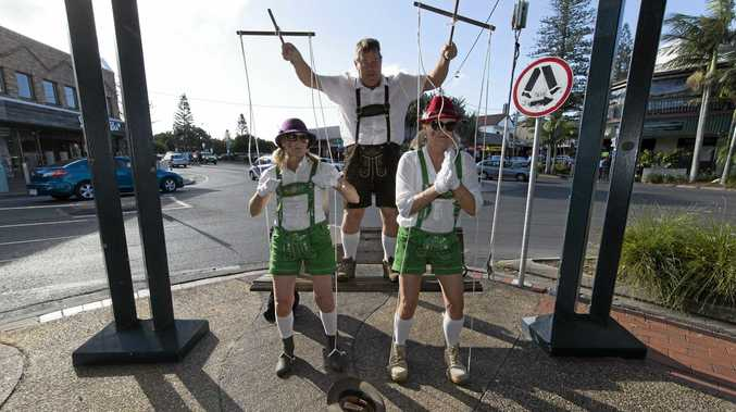 While in Nimbin and Byron Bay the Rally teams participated in a costume search and busking challenge.