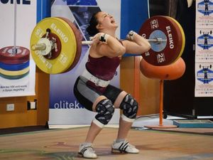Weightlifter determined not to be held back by injury