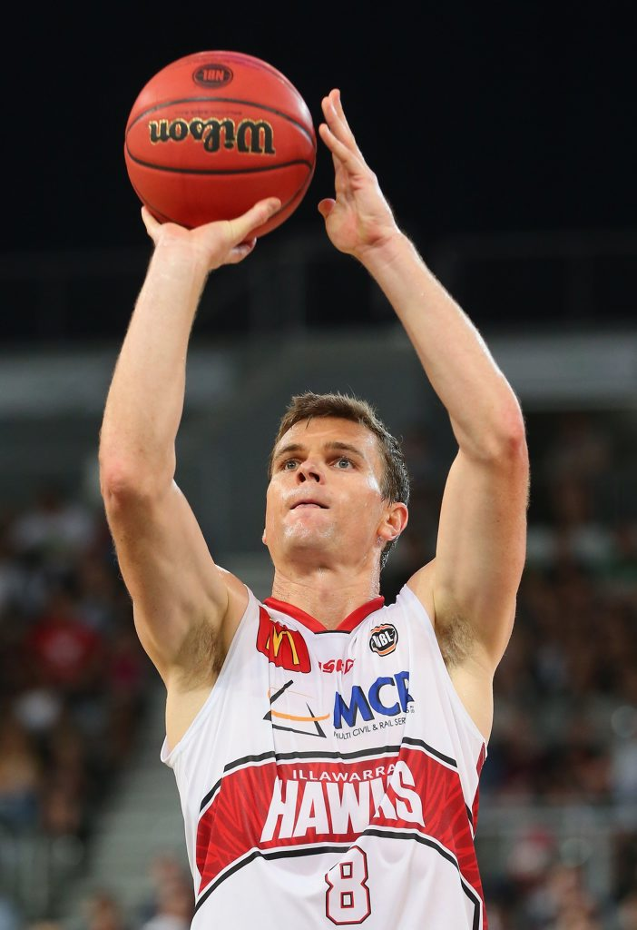 Kirk Penney  shoots for the Illawarra Hawks. Photo: Quinn Rooney/Getty Images.