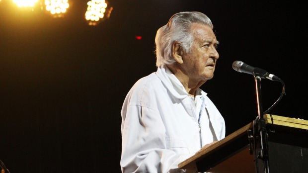 Bob Hawke speaks to a packed house at Woodford Folk Festival. Photo: Daniel Seed