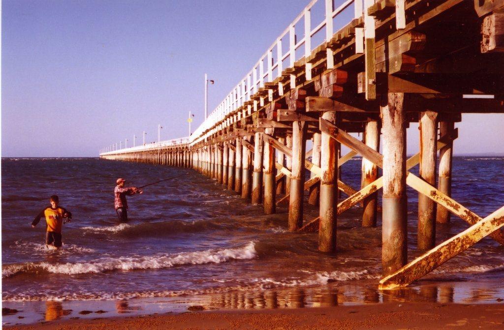 Urangan Pier at Hervey Bay by David Tootell