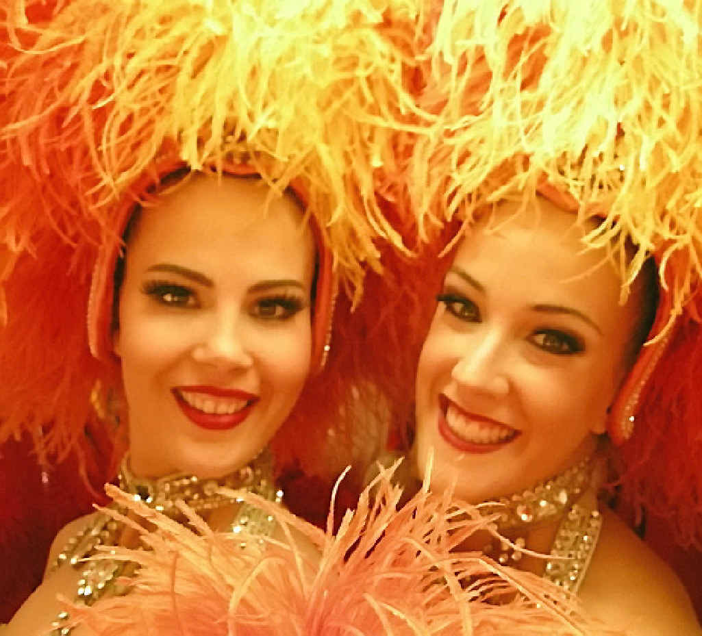 Sarah Brehon and fellow Australian dancer Adelaide Coghlan on tour with the Moulin Rouge