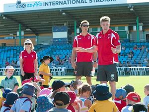 Register for free junior clinics with Sydney Swans