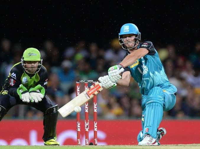 Chris Lynn hits out for the Heat. Photo: Bradley Kanaris/Getty Images.