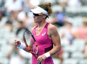 Stosur survives scare at Sydney International