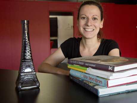 PARLEZ-VOUZ FRANCAIS: Gwen Perret opens Bonjour Toowoomba providing French language classes . Friday, Jan 8, 2016 . Photo Nev Madsen / The Chronicle