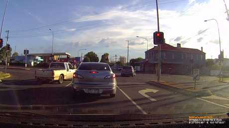 Sneaky: The driver decides to turn from Ruthven St into Bridge St from the left-hand lane.
