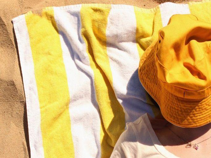 'Monochrome Summer' lazy summer days at Lamberts Beach - enjoying the sunshine.