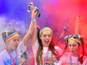 Thousands go fluoro for Color Run