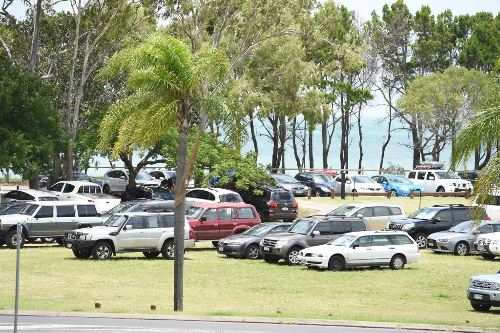 Parking around the WetSide water park at Pialba. Photo: Alistair Brightman / Fraser Coast Chronicle