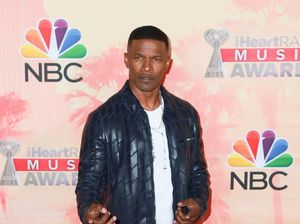 Jamie Foxx pulls man from burning car