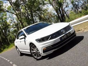GALLERY VW Passat R-Line combines clever thinking with style