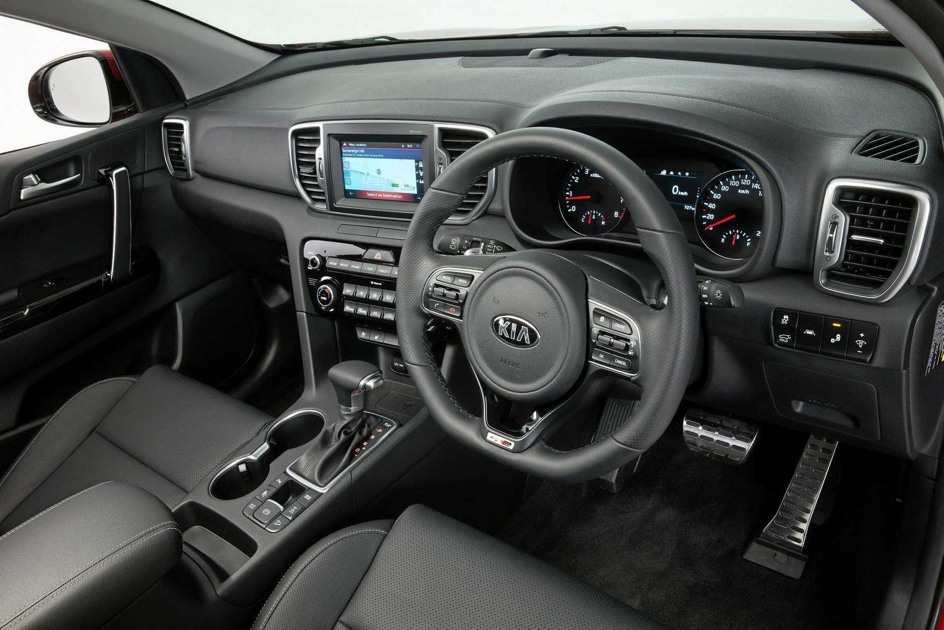 2016 Kia Sportage Platinum interior black.
