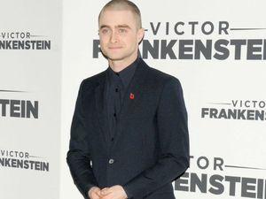 Daniel Radcliffe complains about prosthetic genitals
