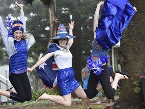 Toowoomba's Aussie spirit shines through foggy day