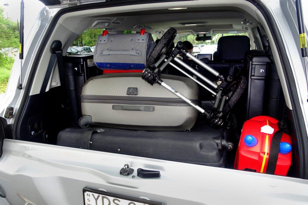Toyota LandCruiser 200 Series VX. Photo: Iain Curry.