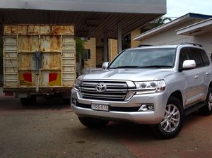 Toyota LandCruiser 200 road test review in the city