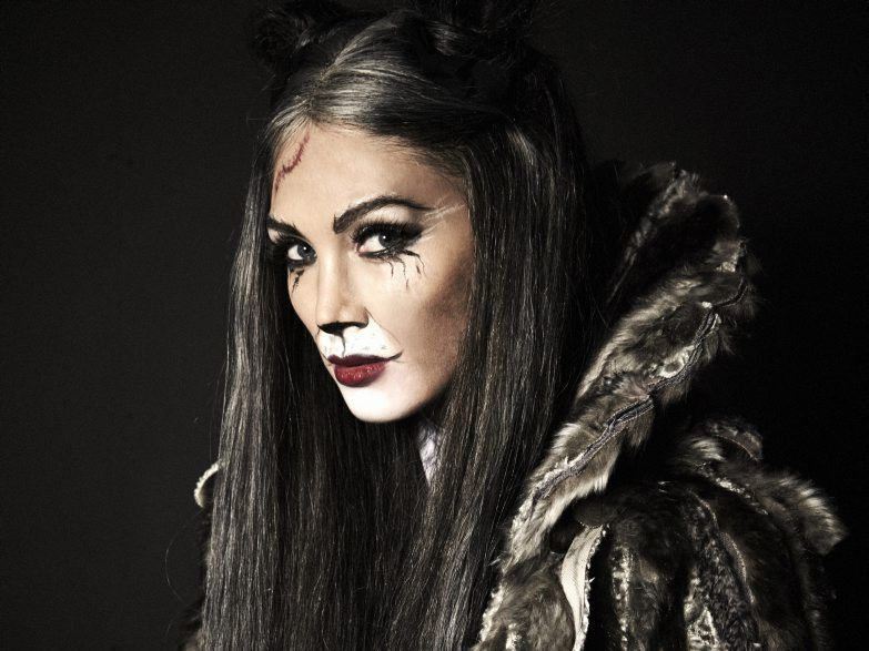 Delta Goodrem as Grizabella from the musical Cats.