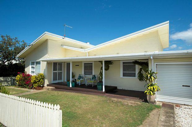 sawtell beach cottage sets record price  coffs coast advocate, sawtell beach house