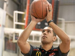 Cedar back from national basketball league for Meteors