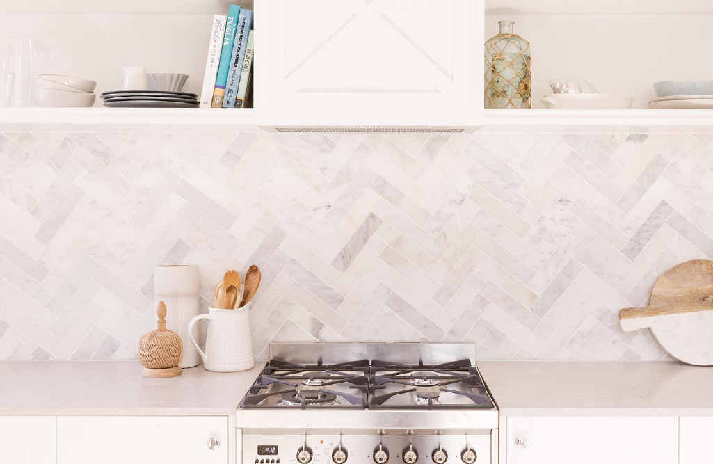 A marble herringbone tile kitchen splashback from the 2015 Reno Rumble series.